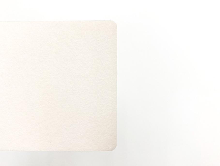 印刷前のバルカナイズドファイバーカード