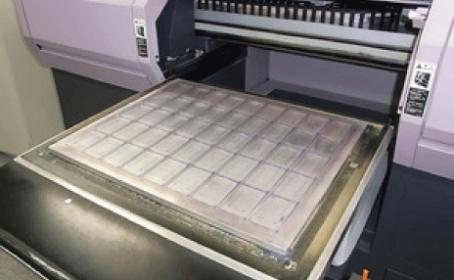 UVインクジェットのカード印刷方法をご紹介します!